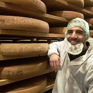 "Antonelli's Cheese Shop's Comte Breaking ""Sip & See"""
